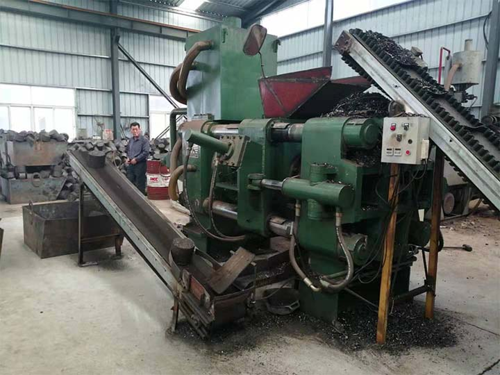 Horizontal metal recycling machine