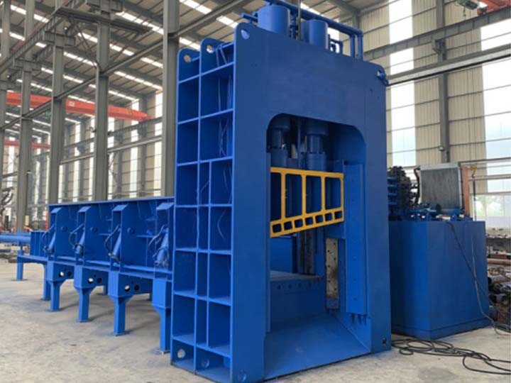 hydraulic gantry shear