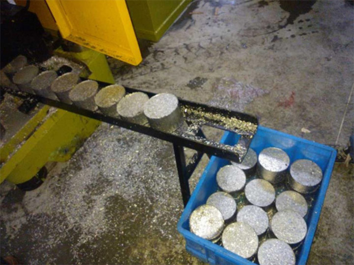 aluminum chips block made by the metal briquetting machine
